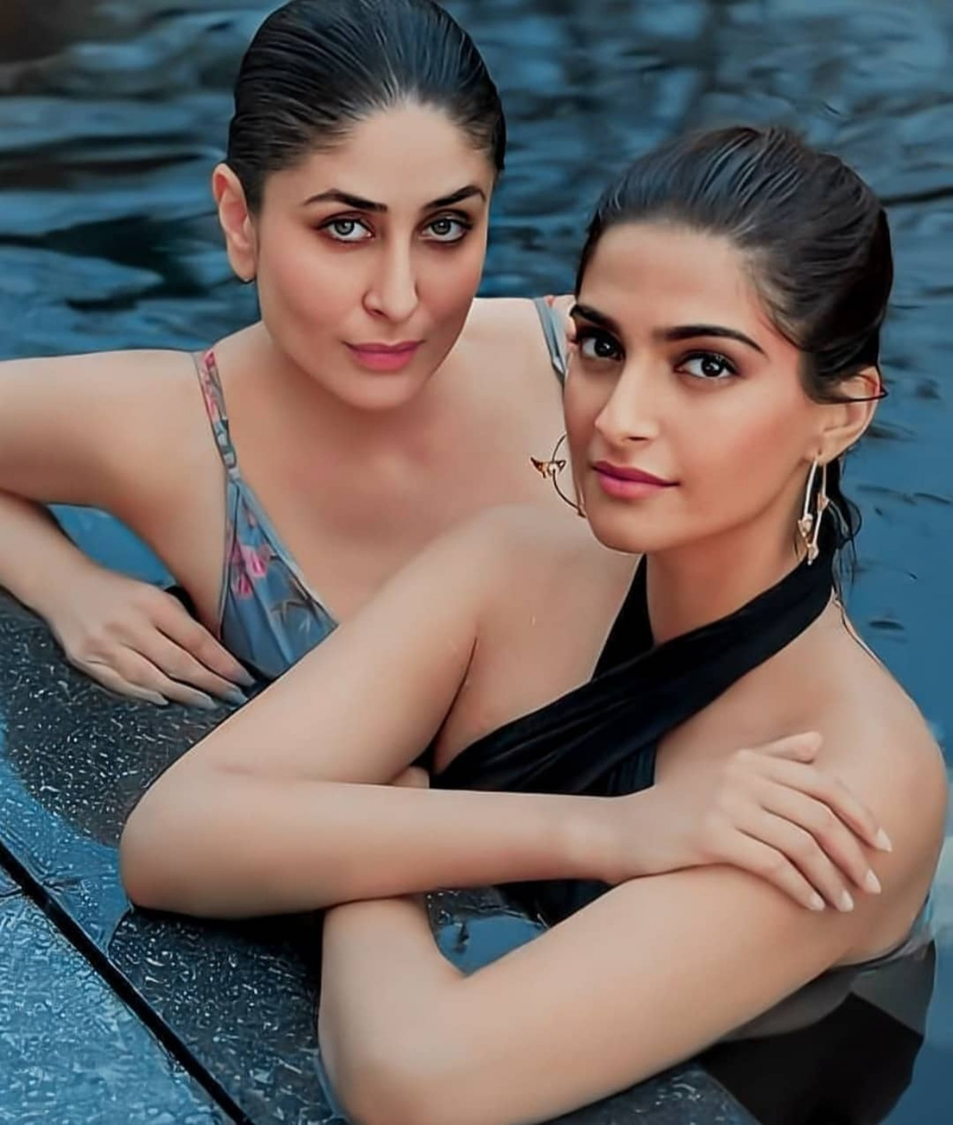 Kareena Kapoor and Sonam Kapoor The hotest and Trending Actress