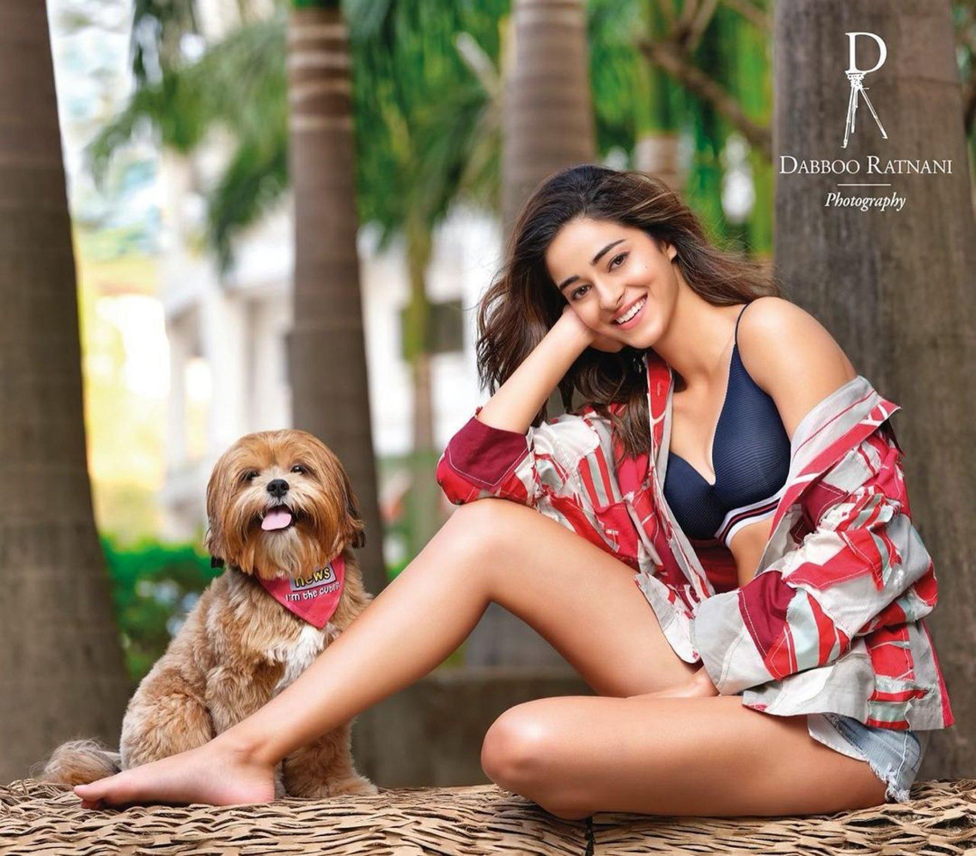 Ananya Pandey hot
