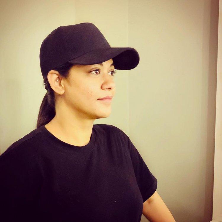 Stunning Beauty Mumaith Khan : Tollywood queen of Dance